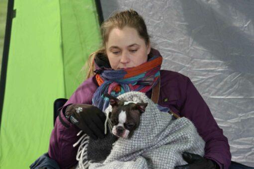 Kaisa varmisti, että Ruskalla oli lämmin kylmästä säästä huolimatta.